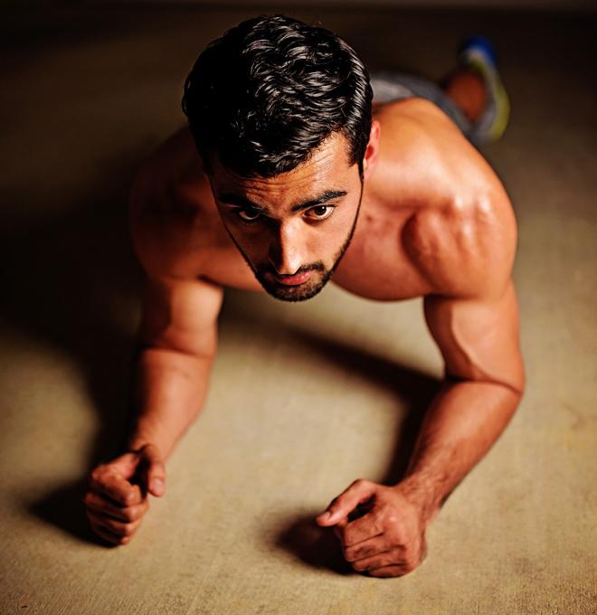 Комплекс упражнений для домашних тренировок для мужчин
